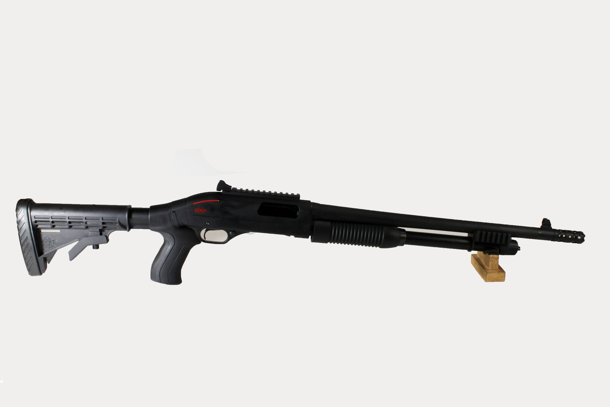 """UG-13117 WINCHESTER SXP TACTICAL 12 GA X 3"""" WITH COLLASIBLE STOCK AND BREACHER CHOKE TUBE"""