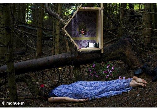 Manue M 1: Se déraciner/Losing her roots