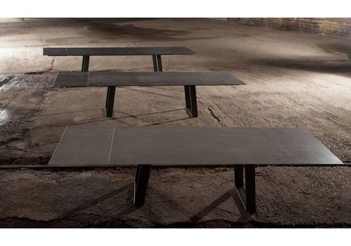 Triss Ceramic Paralog Table