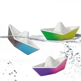 Kido Origami Colour-Changing Boats
