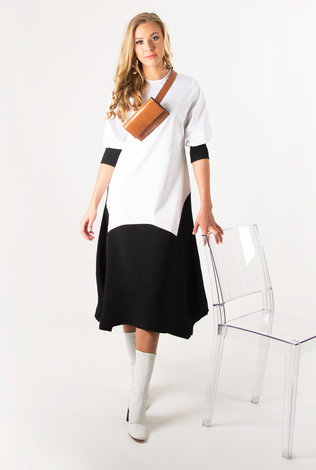 Dejavu Contrast Shape Dress