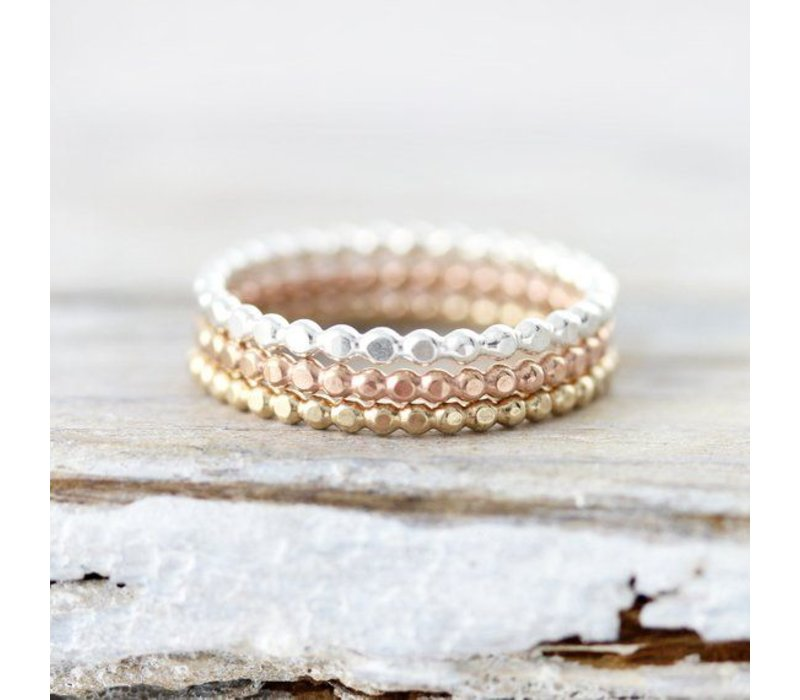 Dotted ring yellow gold