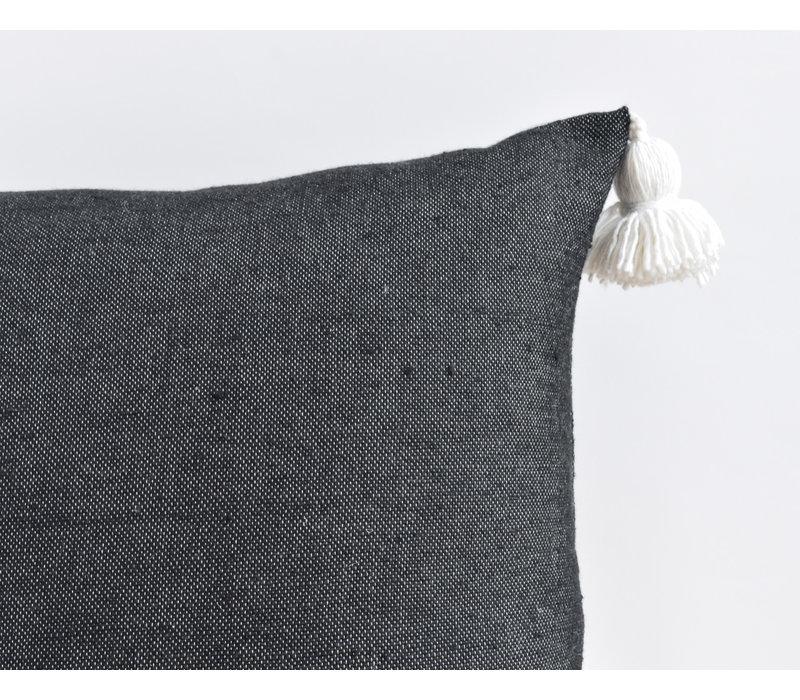 Pompom Pillow Black/white