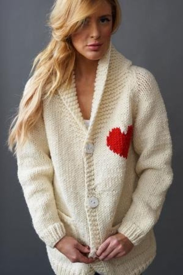 GOGO SWEATERS Heart Cardigan White O/S