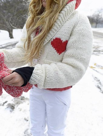 GOGO SWEATERS Cropped Heart Cardigan
