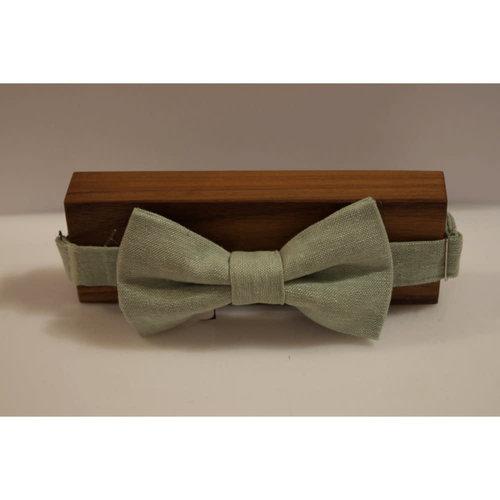Beaux Light Linen Pre-Tie Bow Tie
