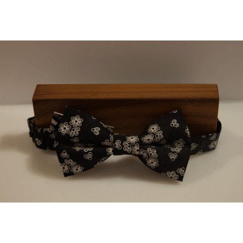 Beaux Floral Pre-Tie Bow Tie
