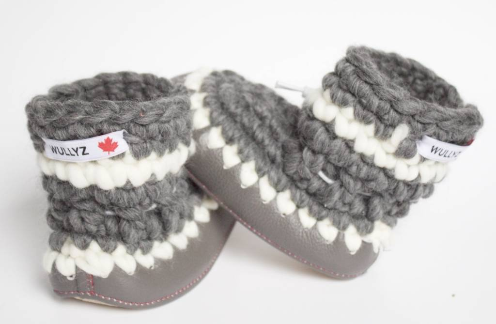 "Wullyz Wullyz Leather Trim Toddler Booties Size 4 (6.5"")"