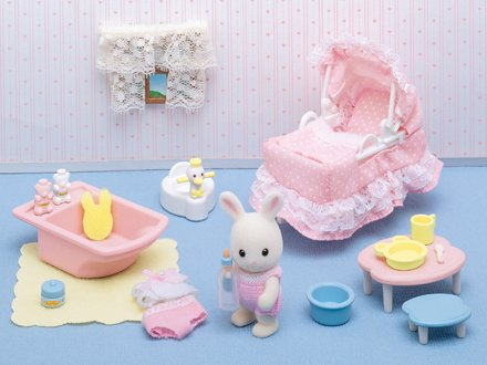 Calico Critters Sophie S Love N Care Tummy To Mummy