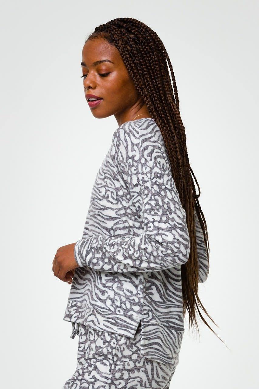 Onzie High Low Sweatshirt Lebra