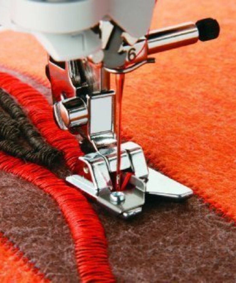Brother Fringe Foot. Fits all Brother home-use sewing machines; including the NV6000D