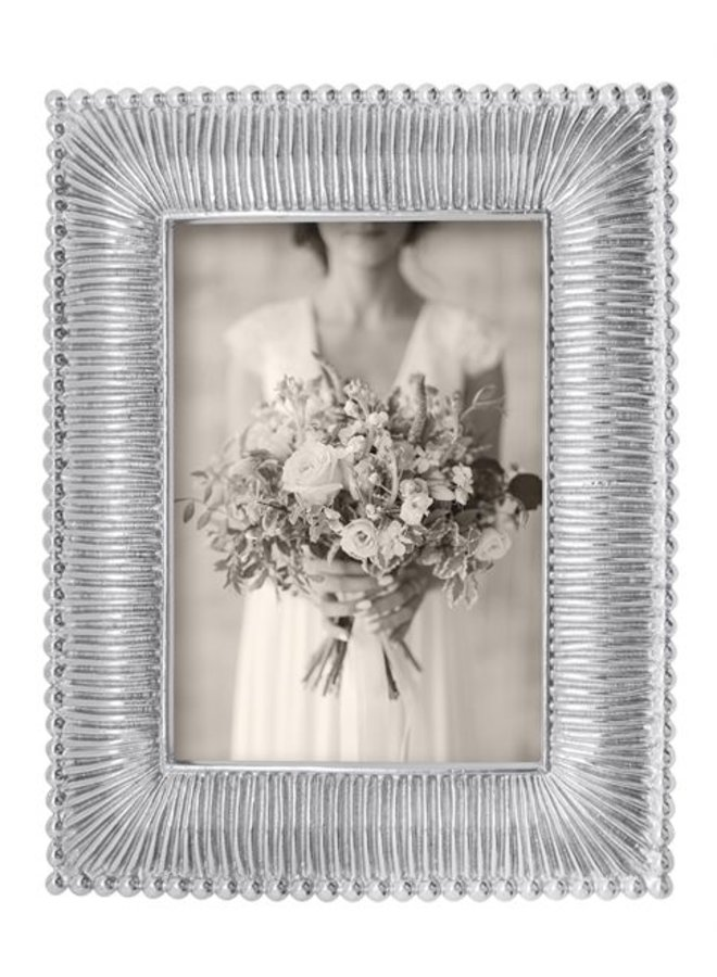 5 x 7 Classic Fanned Frame