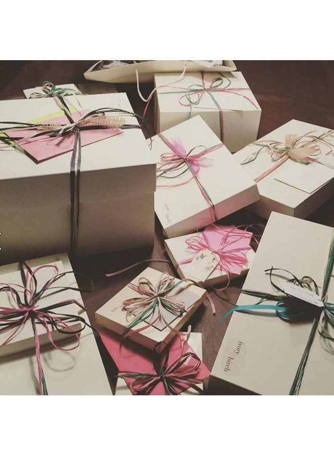 Free Giftwrap on items over $10!
