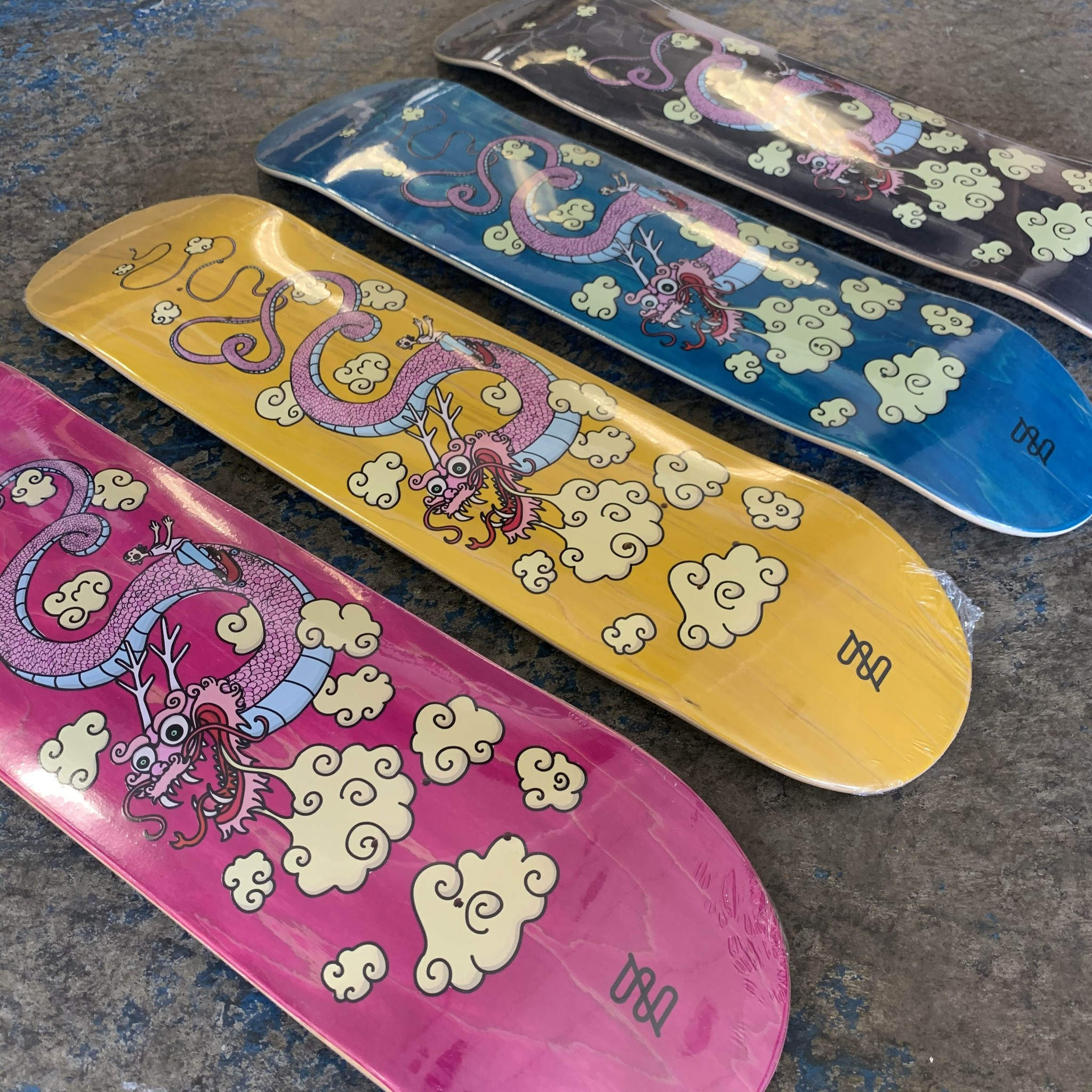studio skate supply chartoonz dragon 8.25 deck various stained veneers