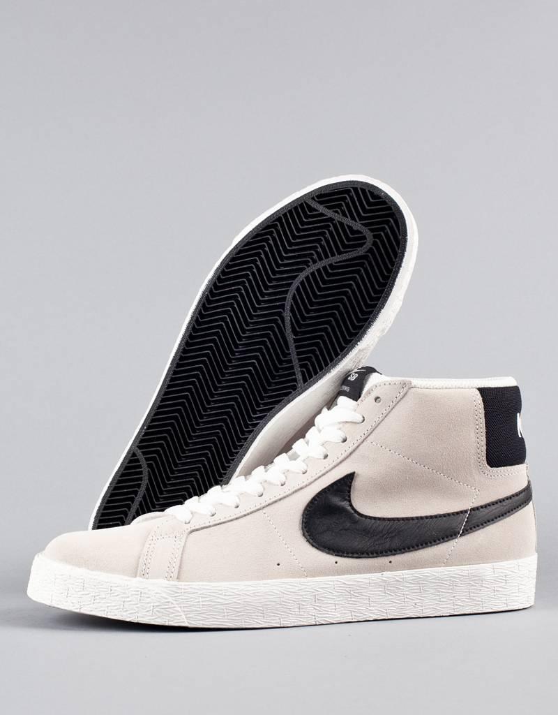 c0eb435acff7 Nike SB - blazer sb premium se shoe - summit white black hot lava ...