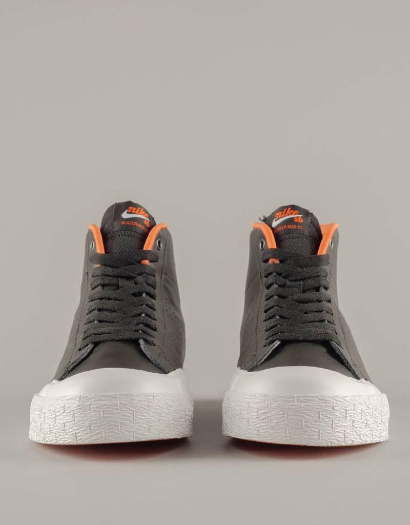 61890c4d5a50 Nike SB - blazer zoom mid xt - black white safety orange metallic ...