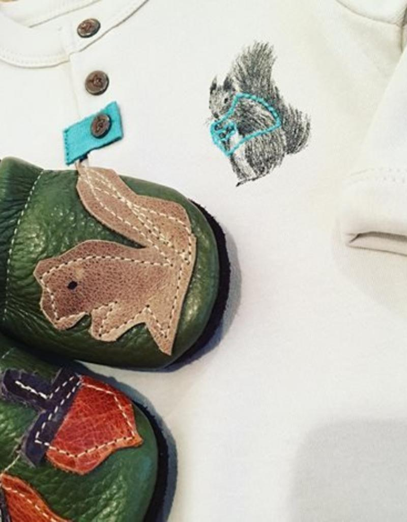 Starry Knight Design Applique Shoes Squirrel and Nuts   NB