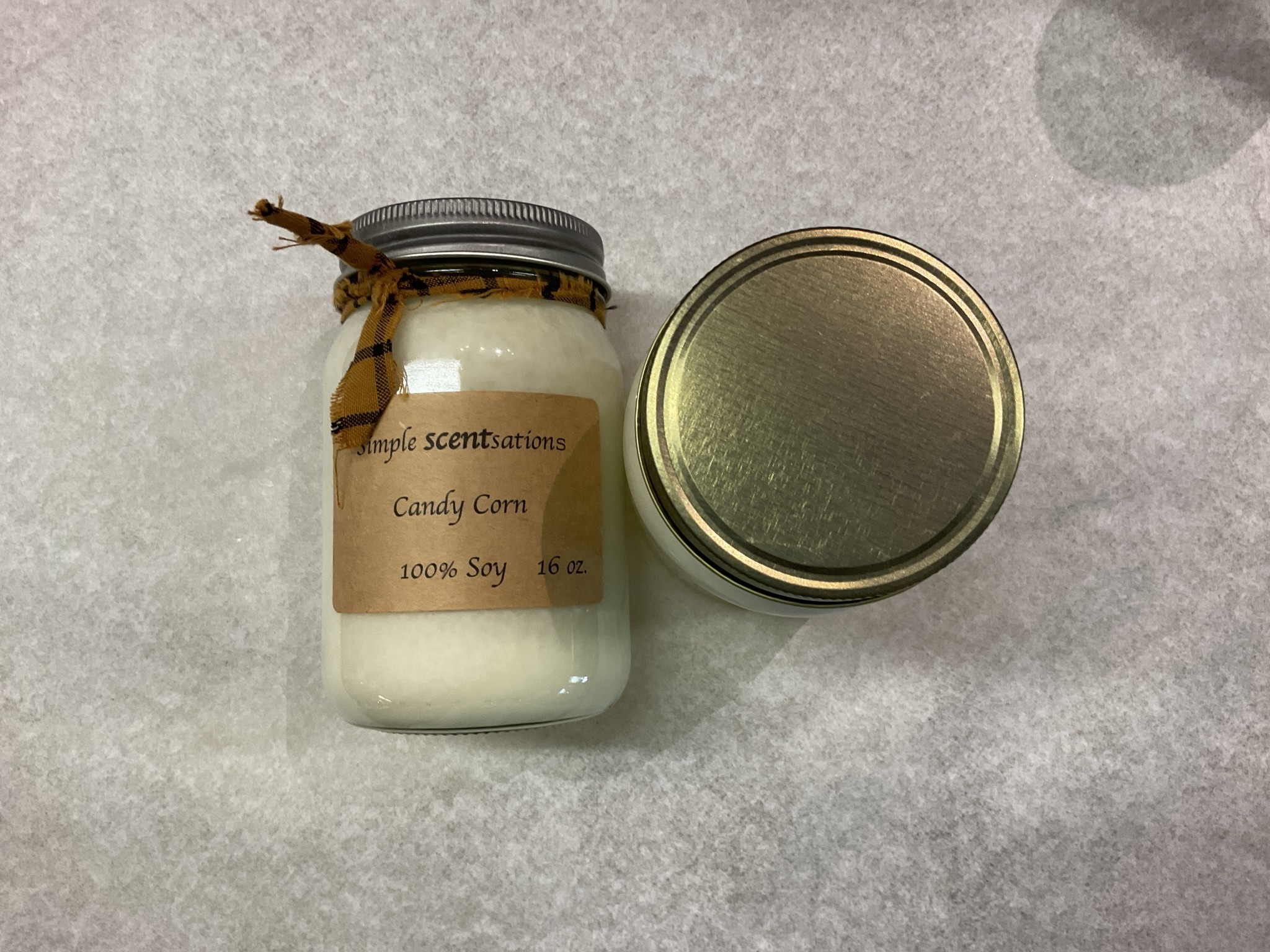 Simple Scentsation Candy Corn 16 oz. soy candles