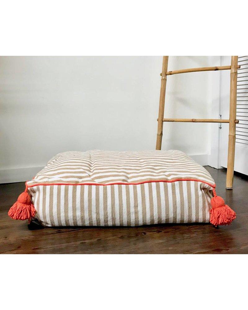 Pom Pom Pet Bed
