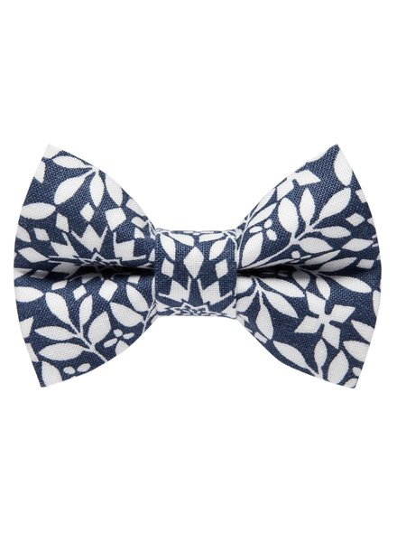 Sweet Pickles Designs Bow-Tie, Weekend at the Mountain