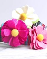 Mimi Green Daisy Flower