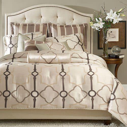 Keystone Court - 9 piece Comforter Set - pearl