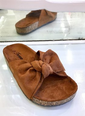 Berkley Tan Bow Accent Slip On Sandal