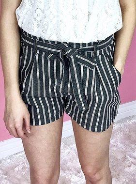 Oregon Linen Ribbon Tie Shorts