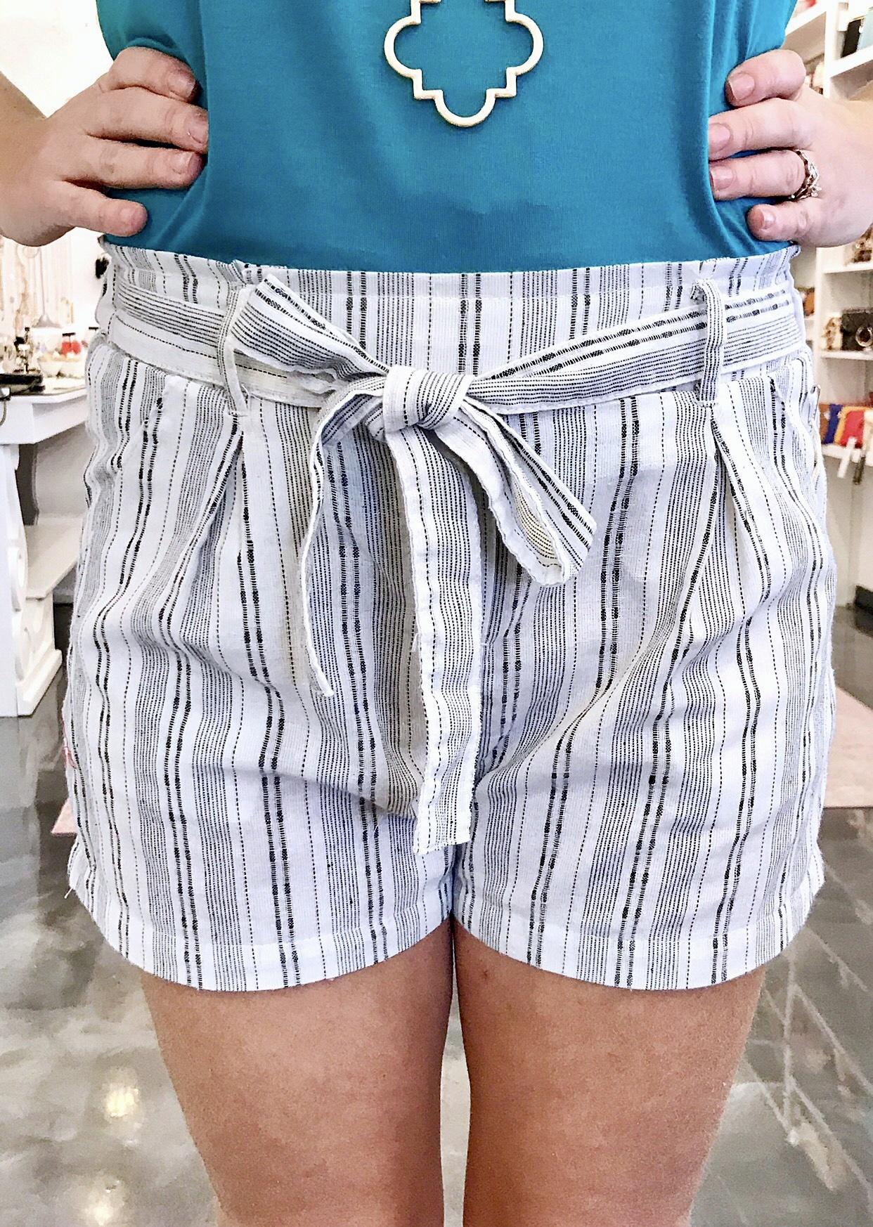 Louisiana Linen Ribbon Tie Shorts