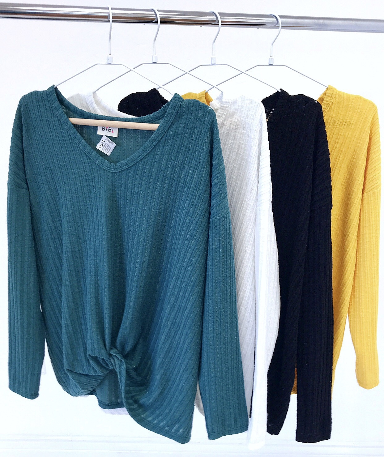 Double Rib LS V-Neck Top with Twisted Front Black