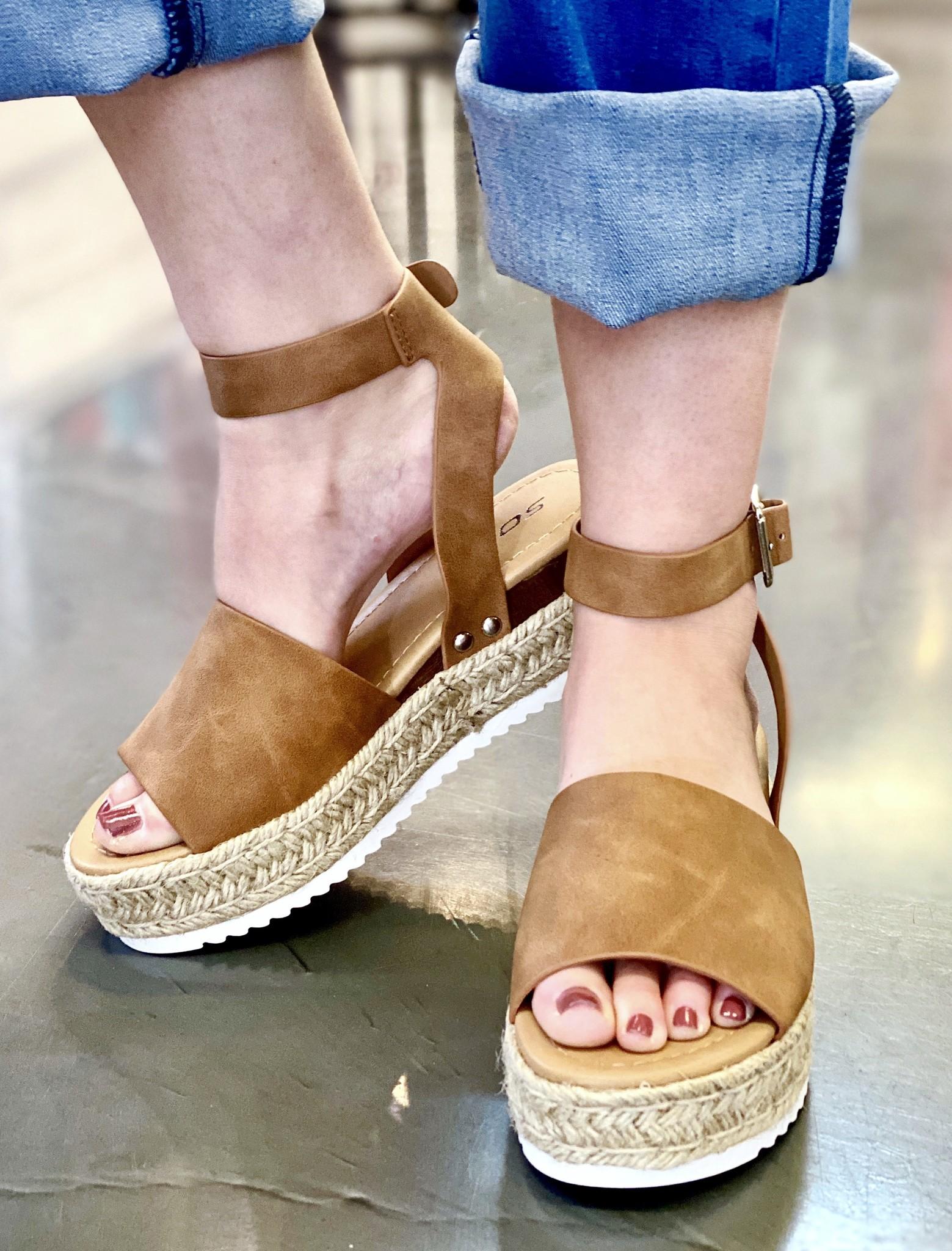 Natural Platform With Ankle Strap