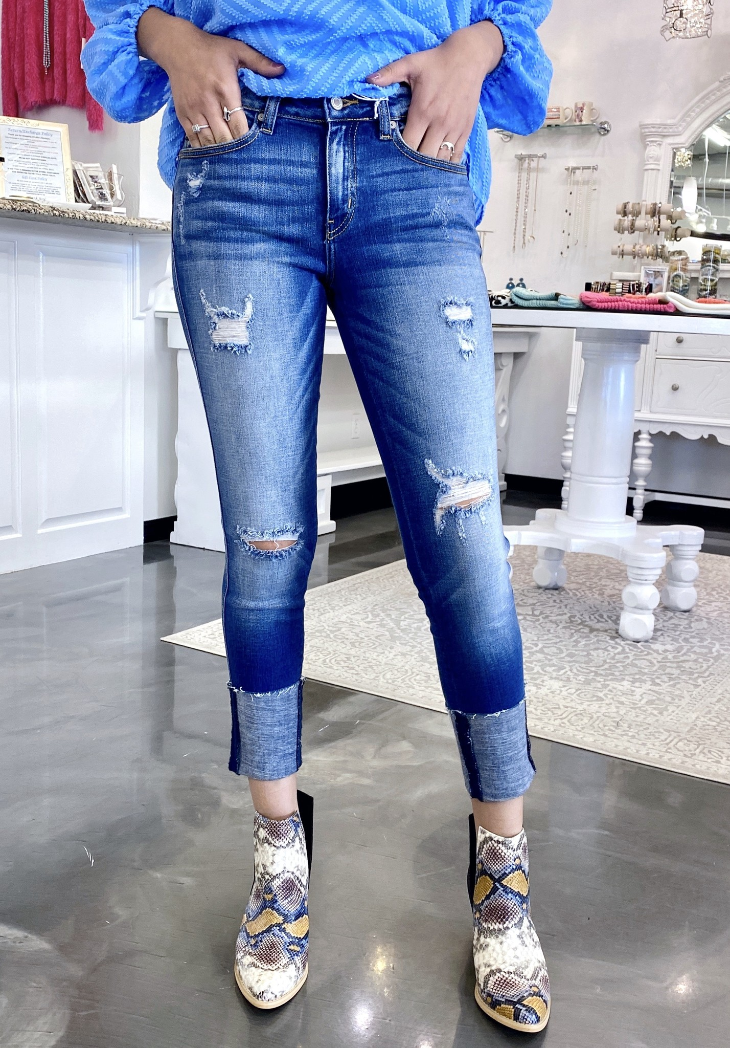 Kan Can Mid Rise Ankle Cuff Skinny Jeans