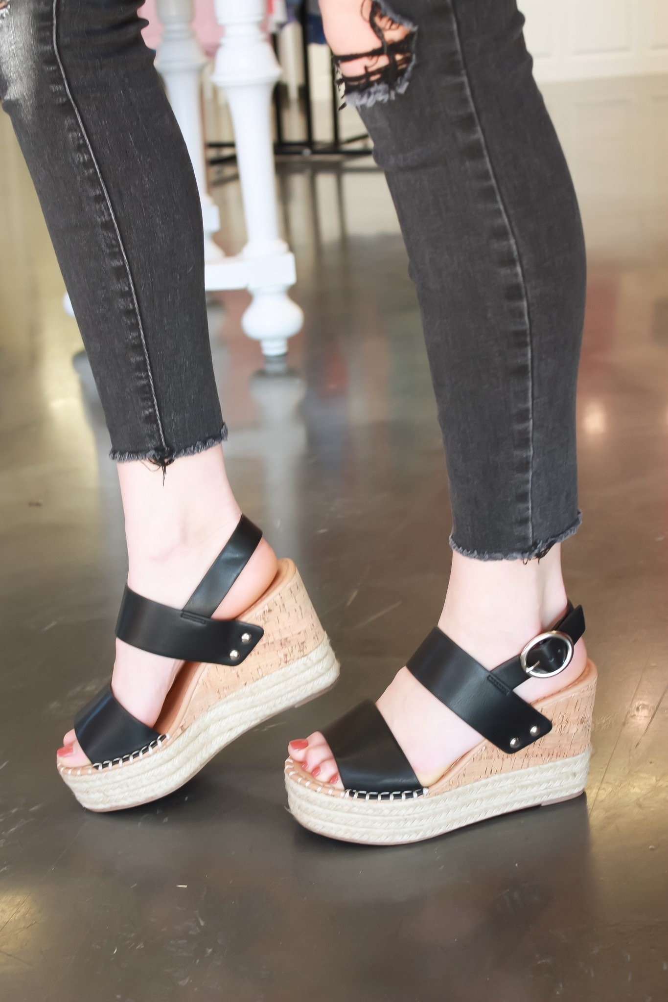 Jade Black Wedge