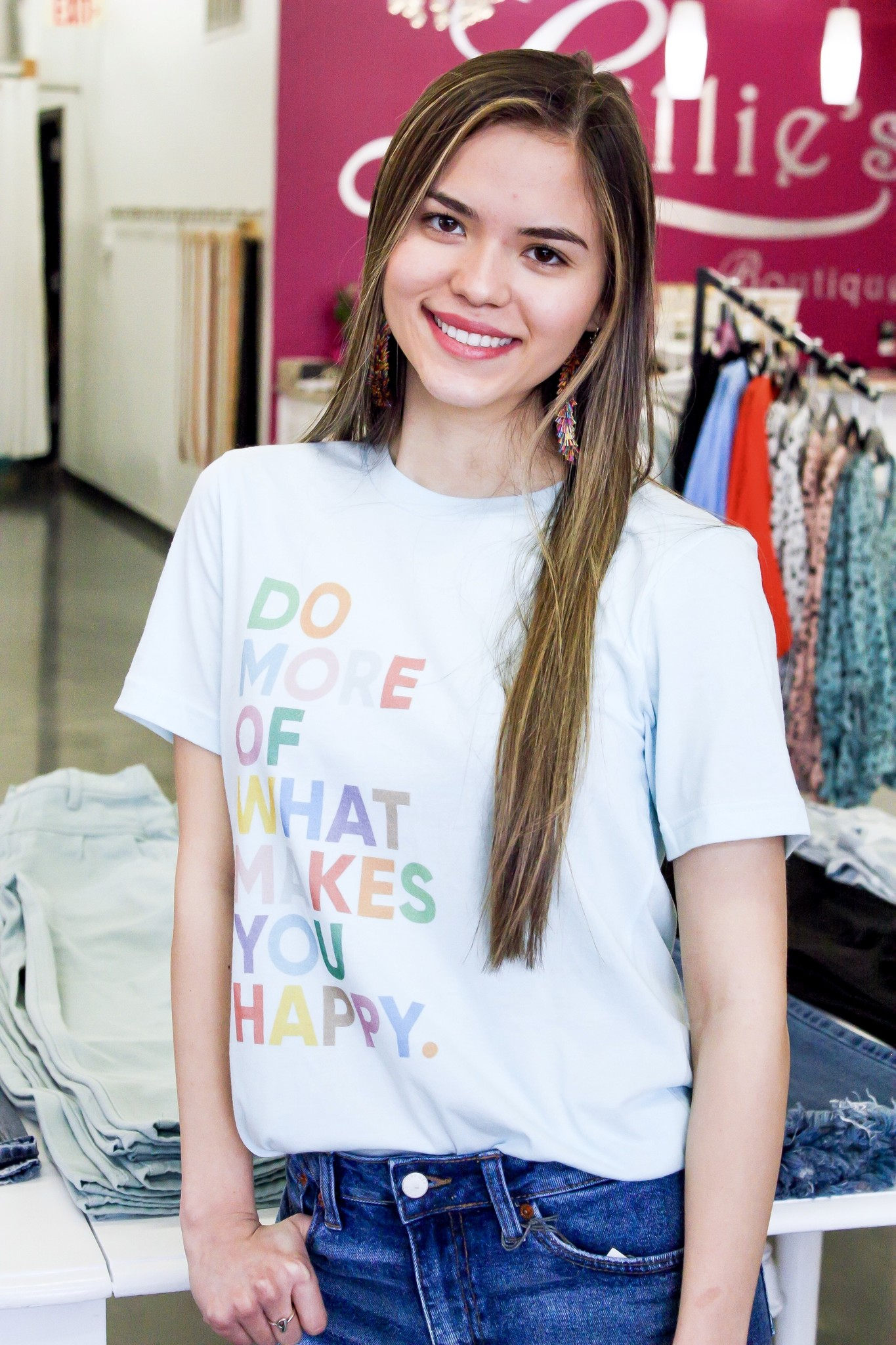 """""""Makes You Happy"""" T-Shirt"""