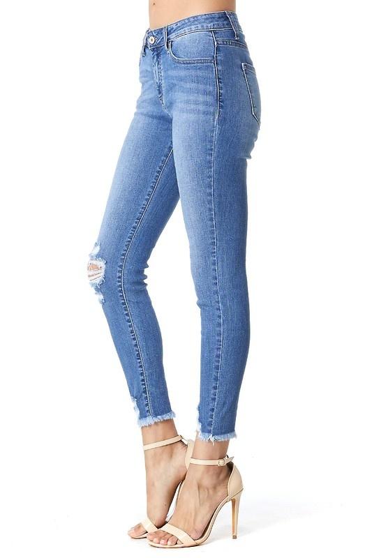 KanCan Med. Wash Distressed Crop Jeans