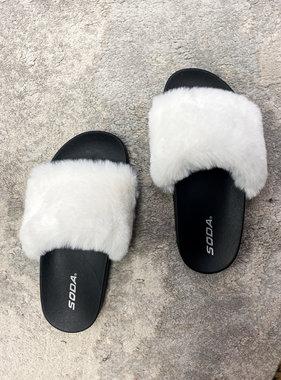Mila Fuzzy Slipper White