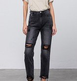 Black Hi-rise Mom Jeans
