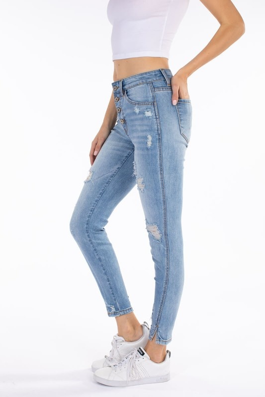 KanCan Light Wash Exposed Buttons Skinny Jeans