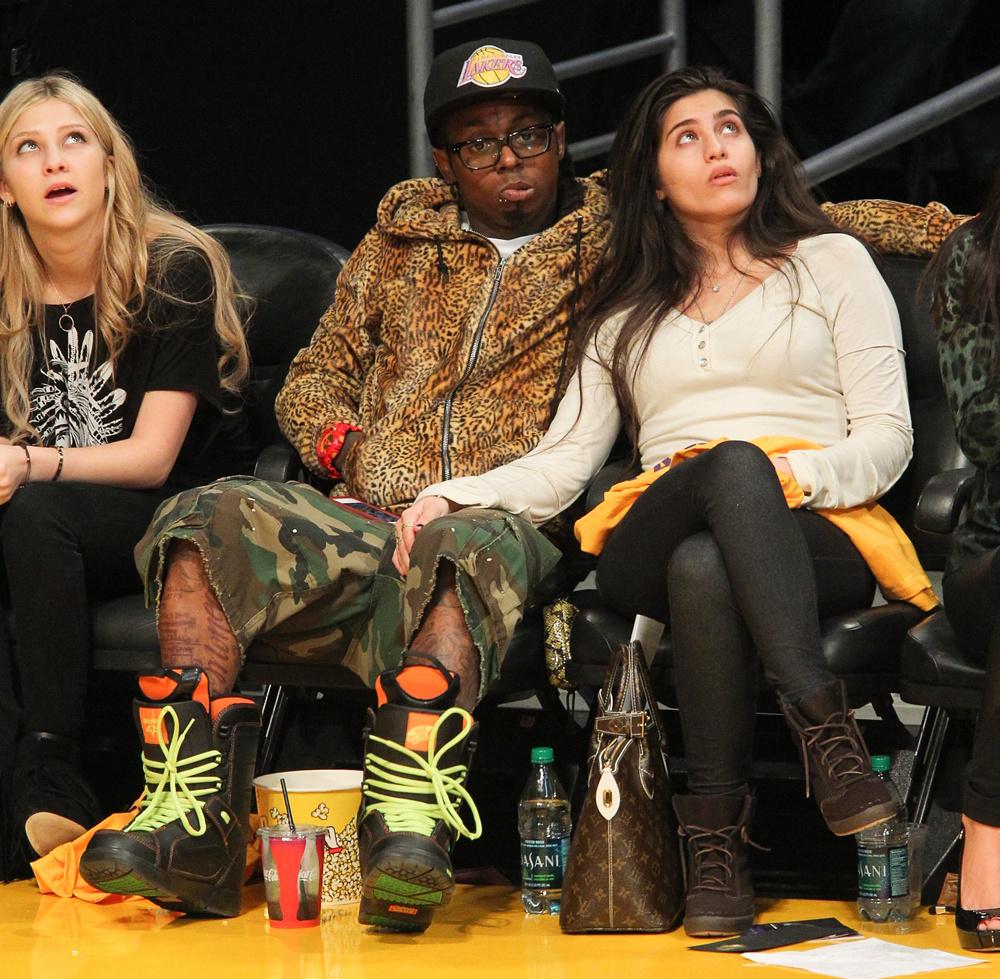 Lil Wayne Wearings Vans Snowboard Boots At Basketball Game Lakers