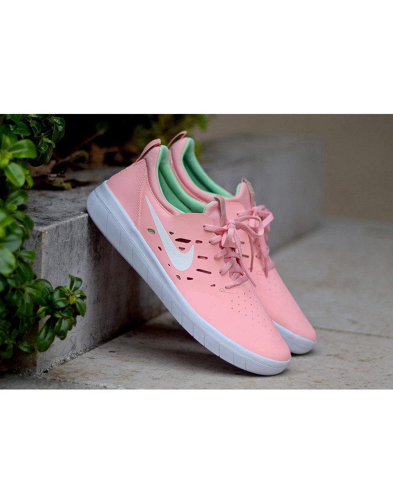 Nike SB Nyjah Shoes Salmon Pink