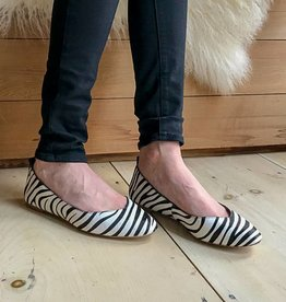 Ugg Linley Zebra Flat