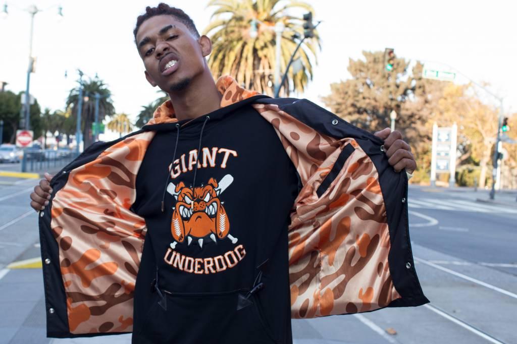 Giant Underdog Photo shoot with @Showy4mayor