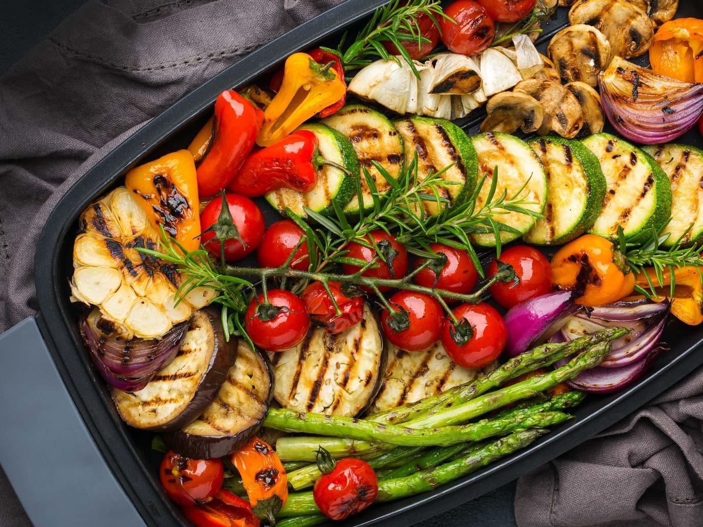 Salade de légumes grillés à l'ail
