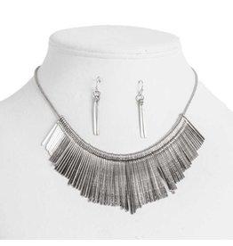 K & K Interiors Antique silver drop necklace set