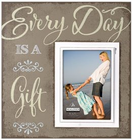 Malden 5x7 Everyday is a gift scripture frame