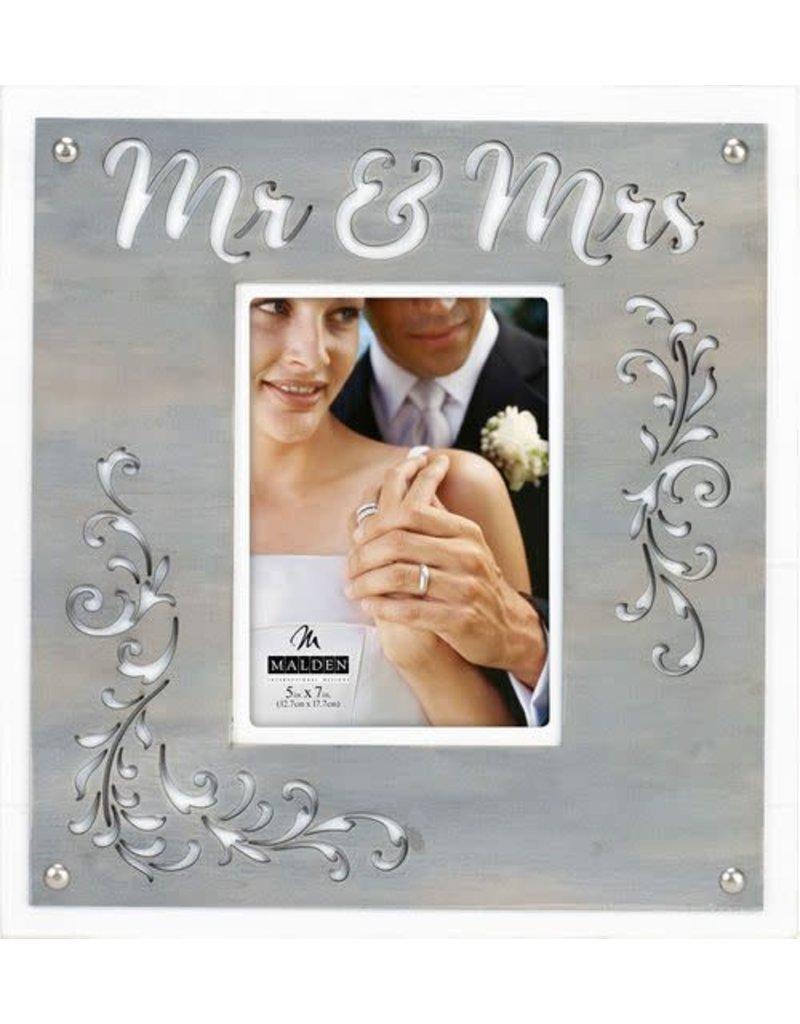 Malden 5x7 Mr & Mrs Layer Frame