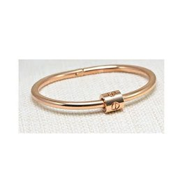 Fossick Imports Silver Steel Bracelet Twist Close