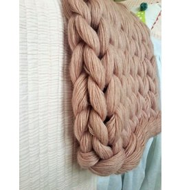 Chunky knit cashmere yarn throw blanket blush