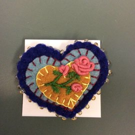 ELFLAND PINK ROSES HEART PIN