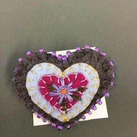 ELFLAND LAVENDER FLOWER HEART PIN